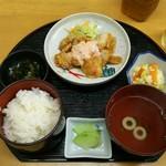 味定ひゃくどめ - 料理写真:チキン南蛮定食 ¥500