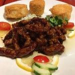 中国料理 菜心 - 豚肉細切り中国味噌炒め  花捲添え