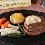 チャーリーレストラン - ヒレ肉のステーキ