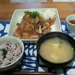 76380641 - 生姜焼き定食