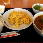 ウェイウェイ台所 - 海老と卵の炒め定食+半担々麵 \880