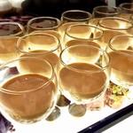 ソマーハウス - ほうじ茶プリン@香り高いほうじ茶、弾力あるプリン、底にはカラメル