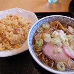 Shinkawataishoukenhanten - 半炒飯らーめん