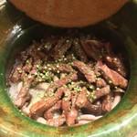 Ginzayoshizawa - 牛としめじの土鍋御飯