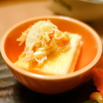 和心亭 豊月 - 先付け:パンにのったズワイ蟹