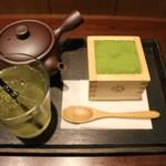 マッチャ ハウス 抹茶館 - 抹茶ティラミスと煎茶