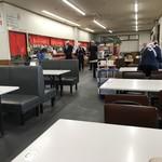 丸幸ラーメンセンター - 店内をパシャ 平日の15時30分