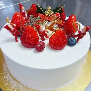 ハッピーベリー - 料理写真:【まるごといちごアントルメ】クリームたっぷり、いちごたっぷり、人気の定番クリスマスケーキ