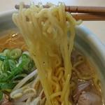 76399085 - 中太縮れ麺