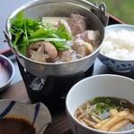 Cafe Dining Hana - 阿波尾鶏の辛味噌鍋ランチ