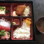まぐろ太郎 - 料理写真:まぐろづくし定食