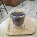 ナナイロ コーヒー ブリュワーズ - なお、コーヒーは、「BODUM」のグラスを彷彿とさせるような耐熱グラスに入っていて大変フォトジェニック!