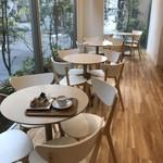 ママのえらんだ元町ケーキ - 明るく広々とした、カフェスペース(2017.11.14)