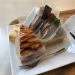 ママのえらんだ元町ケーキ - 2個のケーキと、試食にいただいたカステラ(2017.11.14)