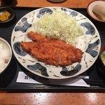 はかた市 - チキンカツ定食660円