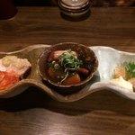 76408436 - 前菜盛り合わせ  鶏ハムとキムチ                        タコの煮物、白身魚の南蛮漬け
