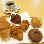 カフェ ドリーム - 料理写真:塩バターパン・クロワッサン3種・マドレーヌ2種・ホットコーヒー