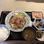 76411943 - 奥美濃ヘルシーポーク生姜焼き定食