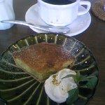 パティスリーカフェ ポッシュ - ピスタチオとホワイトチョコのタルト