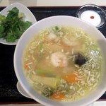 """チャ""""伊""""ナバル - 週替り<麺>ランチ(えび湯麺)"""