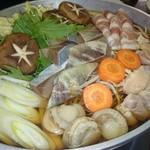 讃岐茶屋 - メインの鍋、写真は3人前