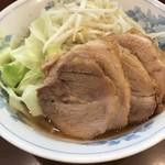 らーめん 陸 - 【2017.11.10】豚増しラーメン¥930