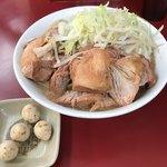 ラーメン二郎 - 料理写真:【2017.11.12】豚増しラーメン¥950+味付けうずら(かつおくん)¥100