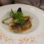 ビストロ ダイア - イサキのポワレとムール貝、柚子風味のブールブランソース