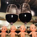 社交酒場 イム - せんべろ(1000円→キューピー人形4体)…グラスワイン赤