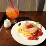 MELANGE De SHUHARI - コームハニー&フレッシュフルーツのパンケーキ/イングリッシュブレックファースト✩