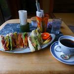 茶房 うえだ - サンドウィッチとコーヒー