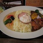 ユマ・ミーナ - 二色カレー(お楽しみデラックス+レッドカレーチキン:特盛り)