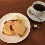 コムヒー - モーニング ①トースト②アーモンドバター  450円