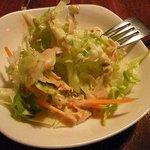 ビラトナガル - ランチに付くサラダ