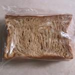 ブーランジュリートーキョウ - メープルブレッド 380円(税込)