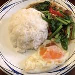 76455616 - カイラン菜と揚げ豚肉炒めライス ¥756
