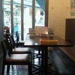 里山の食卓 by ソルビバ - 席数は約100席。大人数でのご利用も可能です。