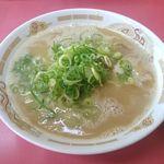 長浜ラーメン ごん太 - ラーメン 純度の高い本格的なとんこつスープです。