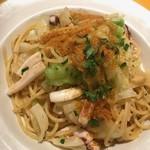トルッキオ - イカとキャベツ、カラスミのスパゲッティ