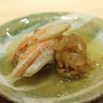76469407 - せいこ蟹(香箱蟹) 蟹の甲羅、殻の出汁とシャリと共に