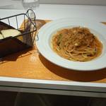 麺匠 パスタバカ一代 - 牡蠣と水菜のスパゲッティ