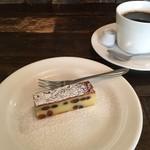 チャオビーノ - 松の実のチーズケーキ