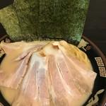 横濱家系ラーメン 神山 -