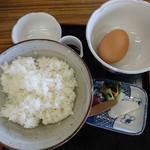 三峰お犬茶屋 山麓亭 - 玉子かけごはん(漬物付)500円