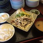 ゴリ食堂 - 料理写真:マヨダクもやし焼肉の少なめ
