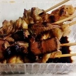肉の加藤 - 料理写真:焼き鳥(レバー/かわ/もも)