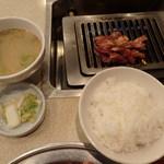 平和園 - ジンギスカン定食560円
