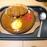 76480025 - 鉄板ロースとんかつカレー(たまご入)¥1,060