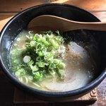 らーめん心志道 - 料理写真:鶏白湯ラーメン700円(税込)