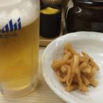かつや 代々木駅前店 - 生ビールとお漬物